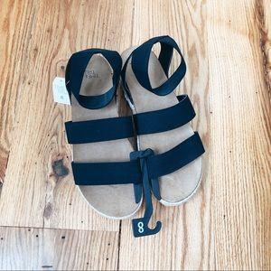 TIME & TRU *NWT* Platform Sandals